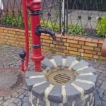 Schön restaurierter Brunnen in Drommershausen